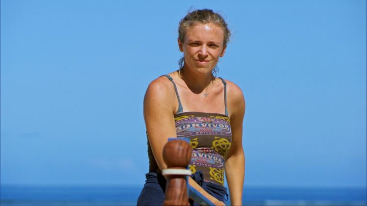 Sophie Clarke playing in the Immunity Challenge on Episode 11 of 'Survivor: Winners at War'