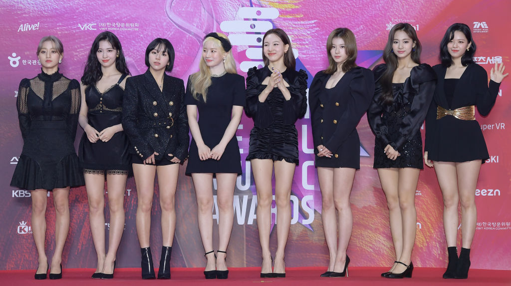 Jihyo, Momo, Chaeyoung, Dahyun, Nayeon, Sana, Tzuyu, and Jeongyeon of TWICE at The 29th High1 Seoul Music Awards - Photo Call