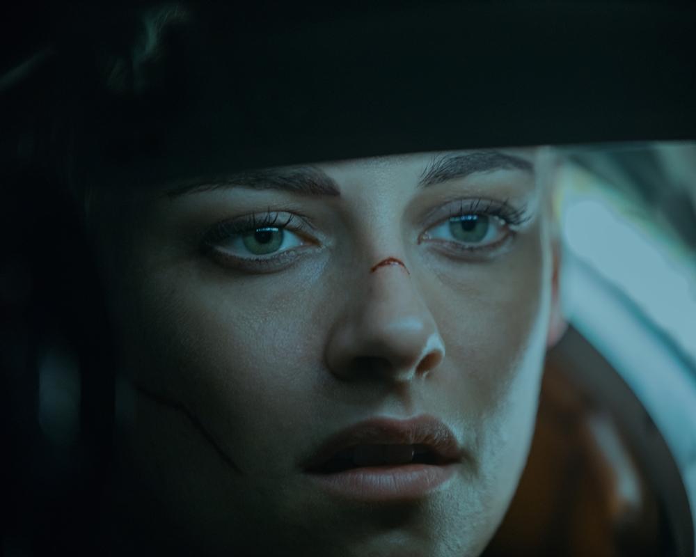 Underwater: Kristen Stewart