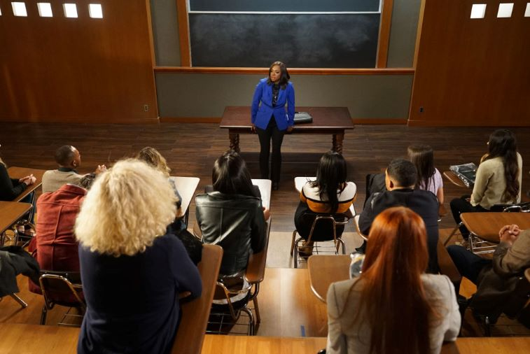 Viola Davis teaching her law students