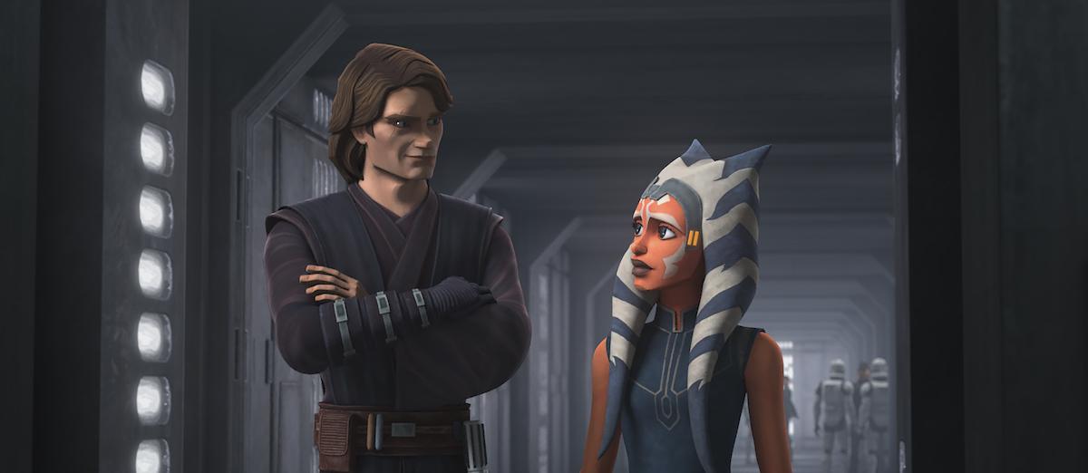 Anakin and Ahsoka walk through the halls after she returns with Bo-Katan.