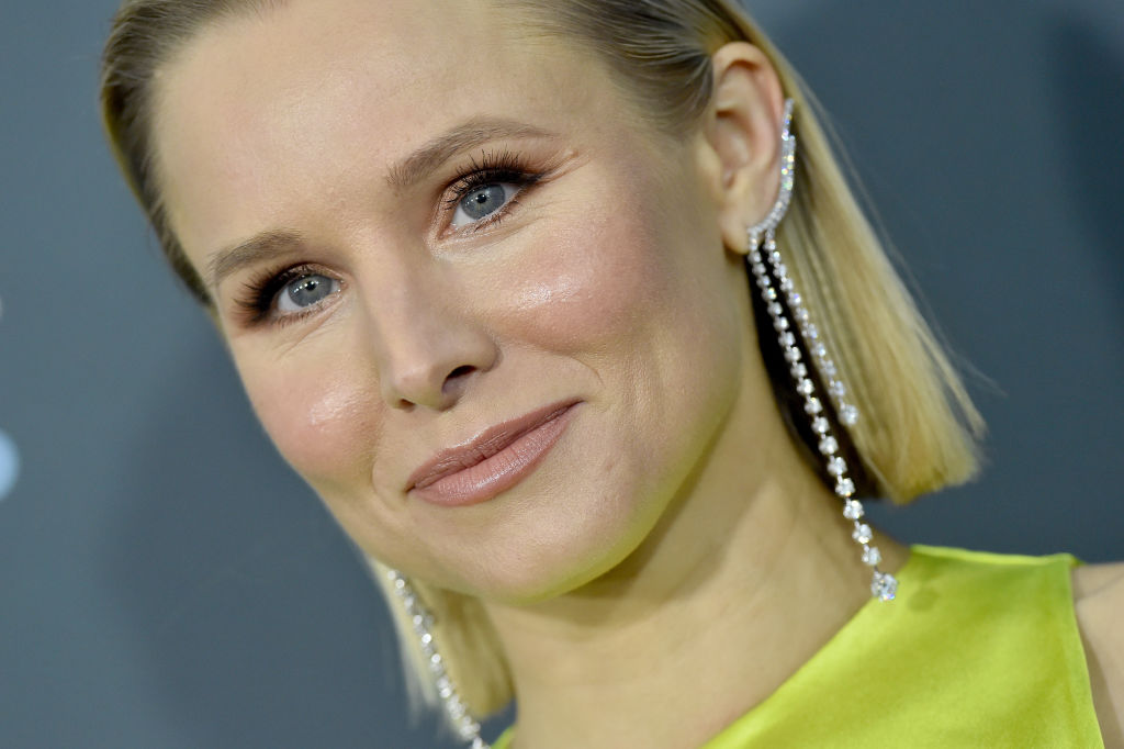 Kristen Bell attends the 25th Annual Critics' Choice Awards on January 12, 2020