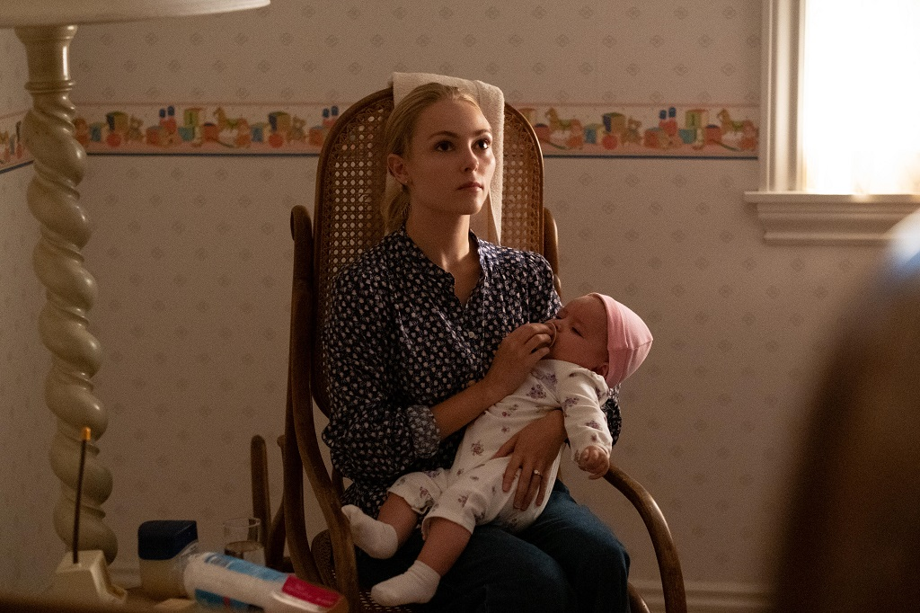 AnnaSophia Robb as young Elena in 'Little Fires Everywhere'