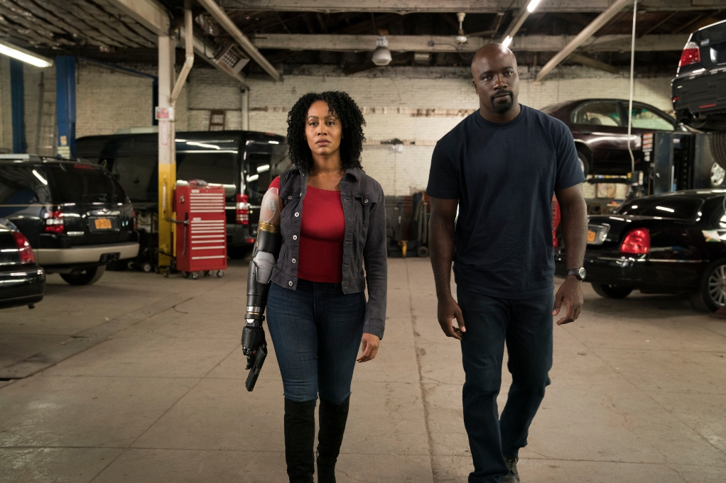 Simone Missick and Mike Coulter in 'Luke Cage'