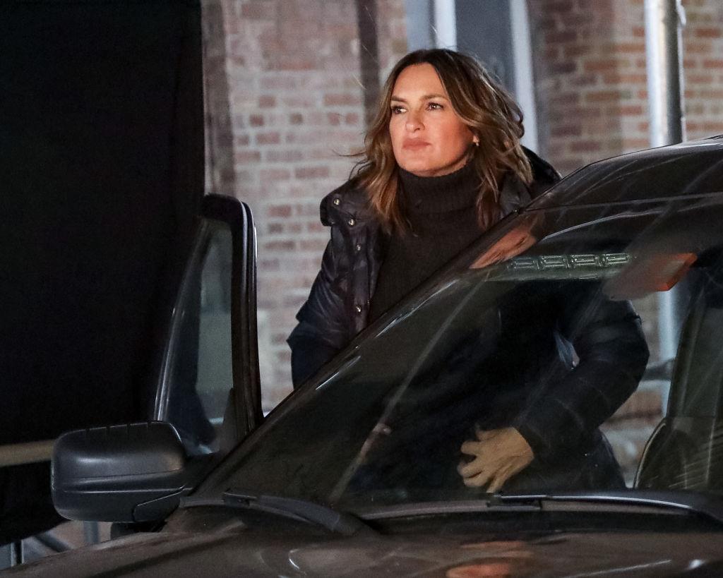 Mariska Hargitay getting out of a car