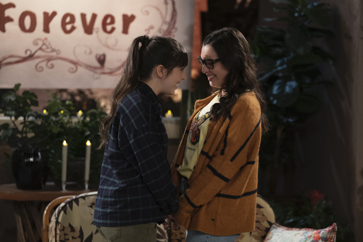 Syd and Elena take their turn on the roof in 'ONE DAY AT A TIME'