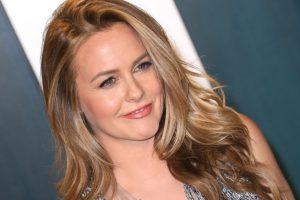 Alicia Silverstone Wishes Her 17-Year-Old Self Knew the Benefits of Self-Worth