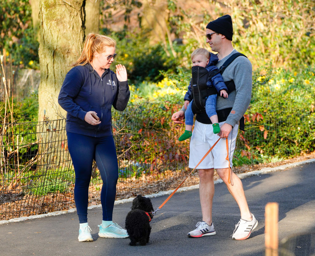 Amy Schumer and family