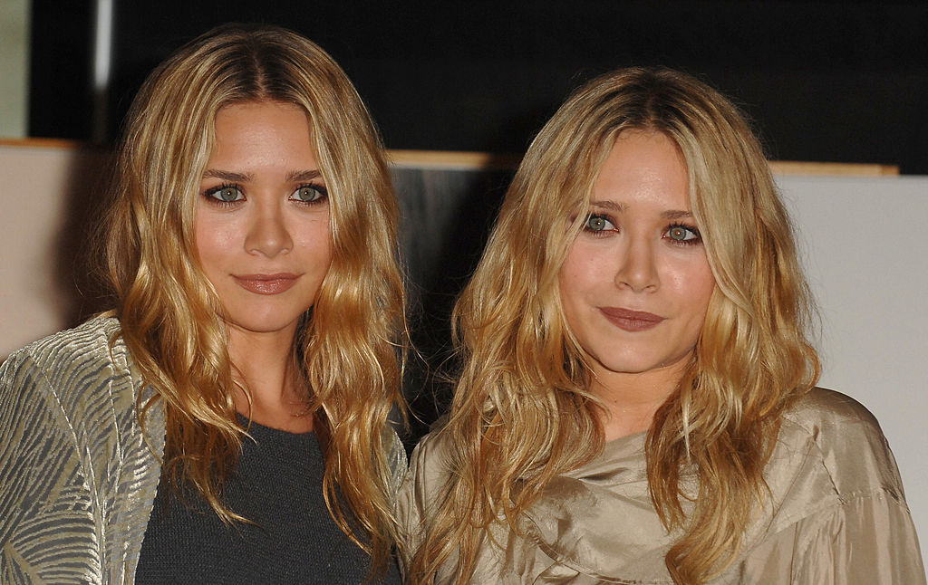 Ashley Olsen and Mary Kate Olsen signing their book, 'Influence,' at Borders