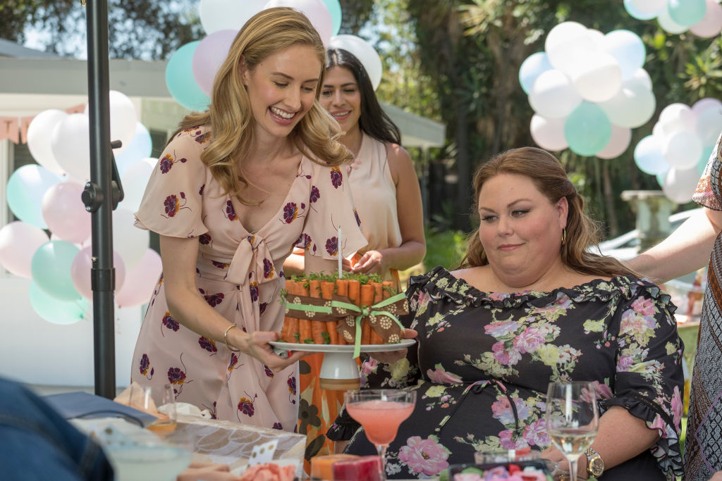 Caitlin Thompson as Madison and Chrissy Metz as Kate on 'This Is Us' - Season 3