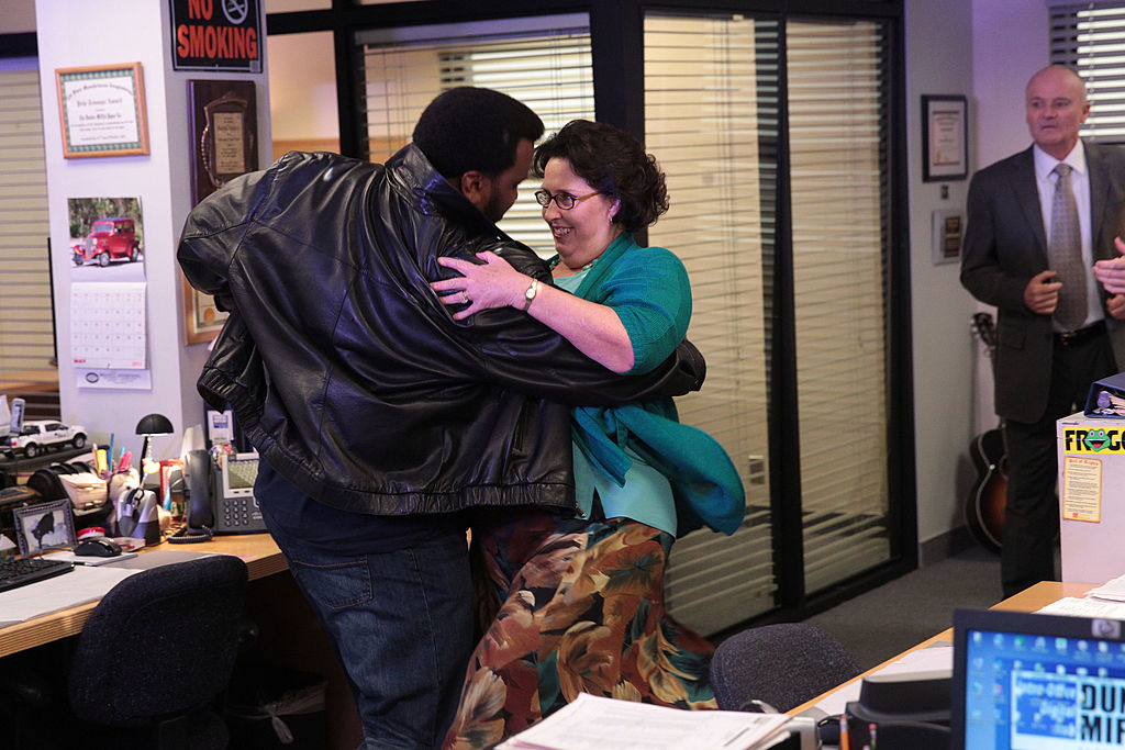 Craig Robinson and Phyllis Smith dancing on 'The Office'