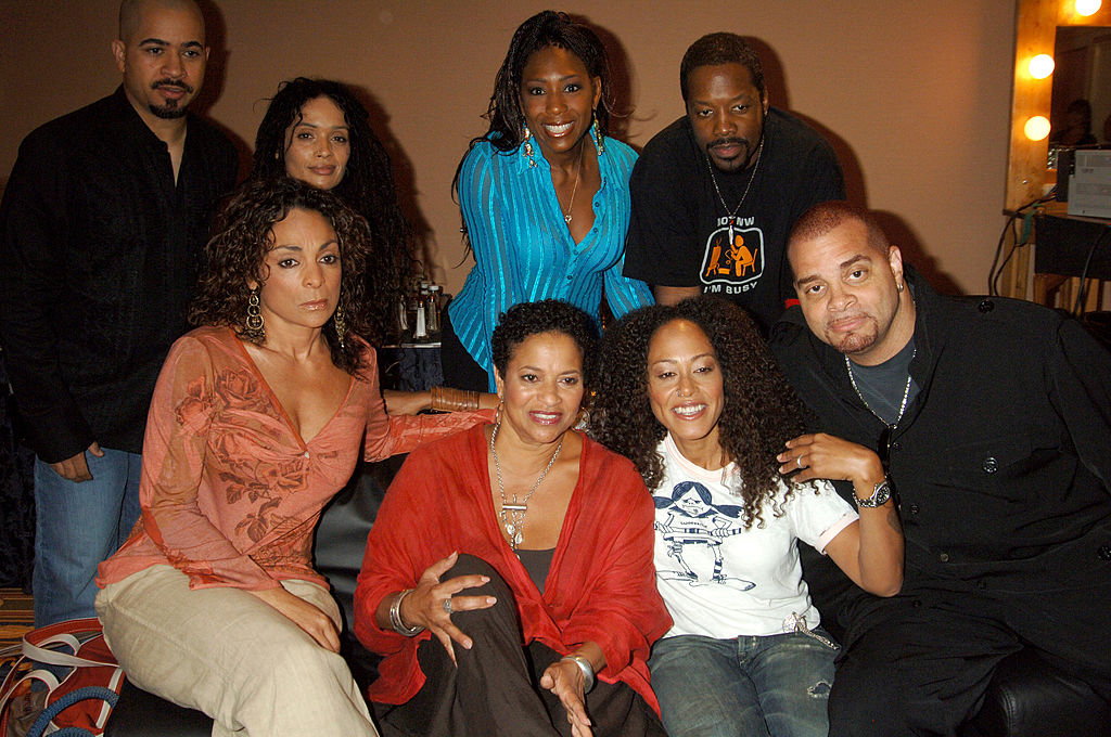 Sinbad with the cast of 'A Different World'