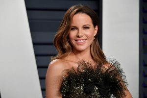 Does Kate Beckinsale Know How to Drive?