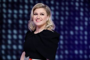 What Is Kelly Clarkson's Parenting Style Like?