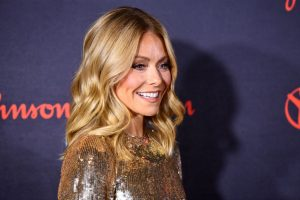 Kelly Ripa Has Been Hiding Something on Her Face for a Month and No One Noticed