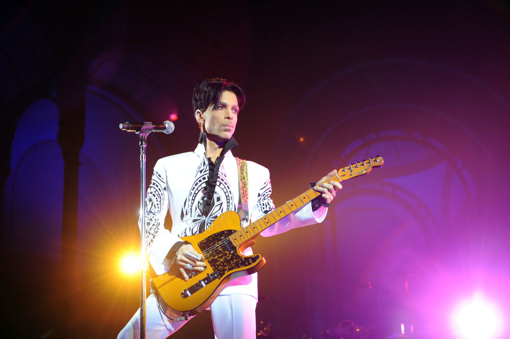 US singer Prince performs on October 11, 2009 at the Grand Palais in Paris