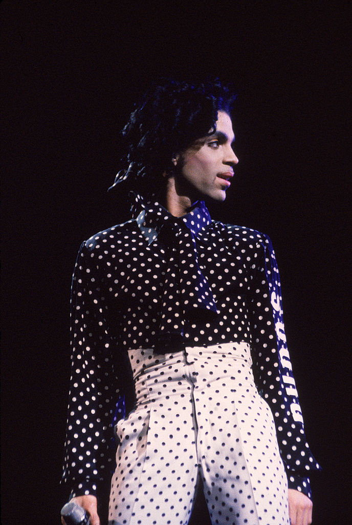 Prince singing in concert