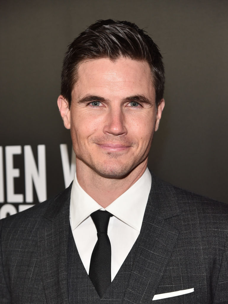 Robbie Amell Upload