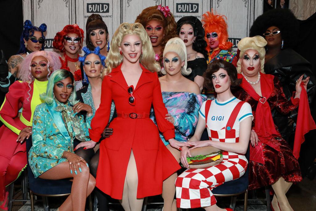 The cast of 'RuPaul's Drag Race' season 12 with Miz Cracker