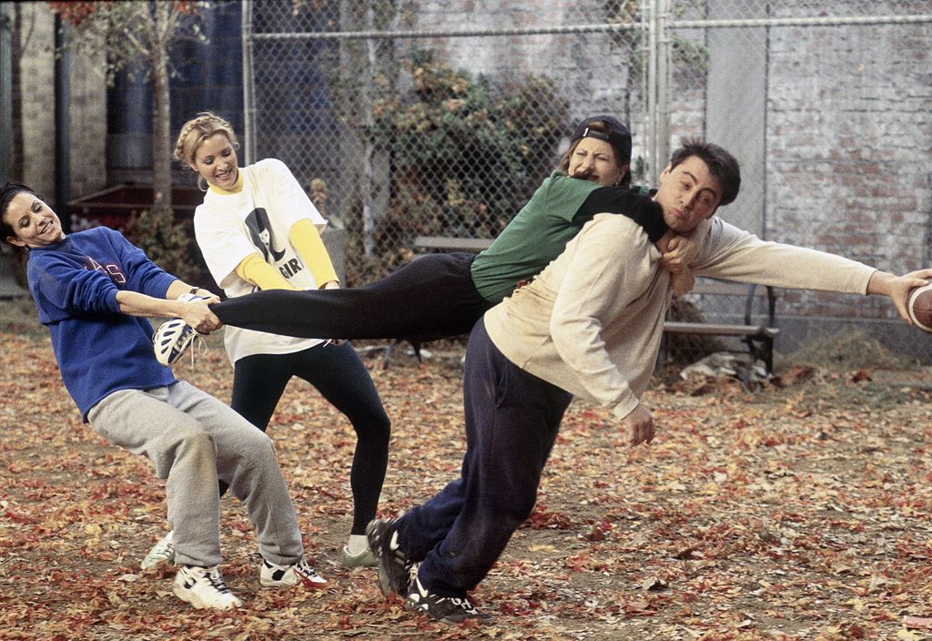 (L-R) Courteney Cox, Lisa Kudrow, Jennifer Aniston, Matt LeBlanc in 'Friends'