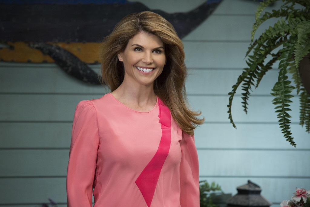 Lori Loughlin as Becky in 'Fuller House'