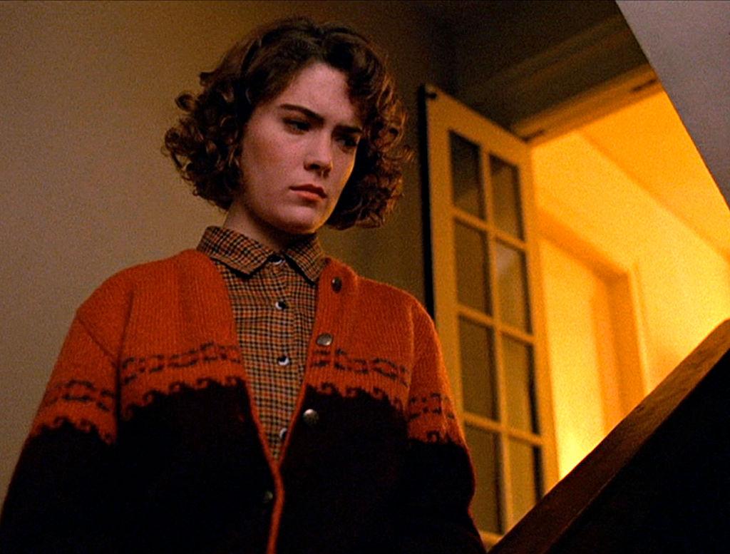 Lara Flynn Boyle as Donna Hayward in Twin Peaks