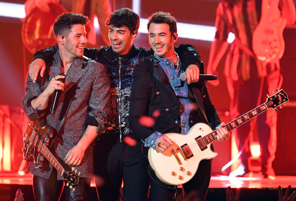 (L-R) Nick Jonas, Joe Jonas, and Kevin Jonas of the Jonas Brothers perform at the 2019 Billboard Music Awards on May 1, 2019