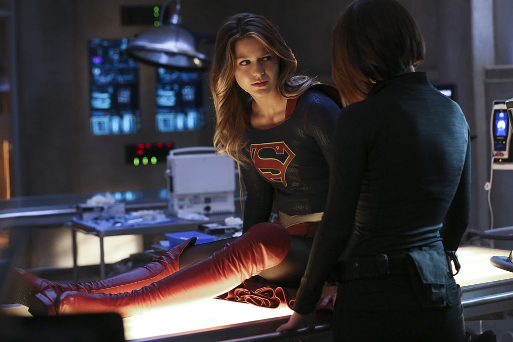 Supergirl (Melissa Benoist) and her sister Alex (Chyler Leigh) in Season 1 of 'Supergirl'