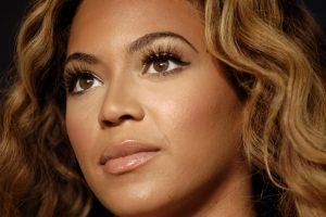 Beyoncé Plastic Surgery: Doc Says Singer Has Had Rhinoplasty and Breast Augmentation