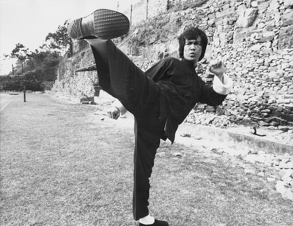 Bruce Lee kick