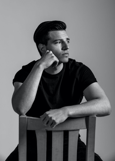 Actor/musician Dylan Flashner