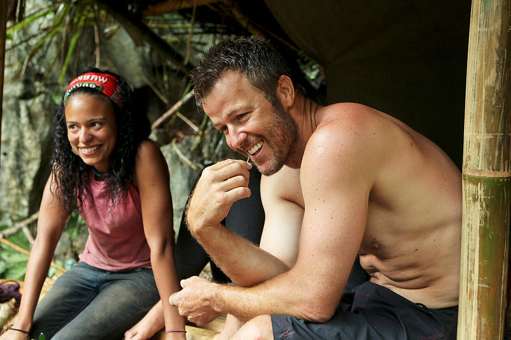 Jeff Kent and Sarah Dawson on an episode of 'Survivor'