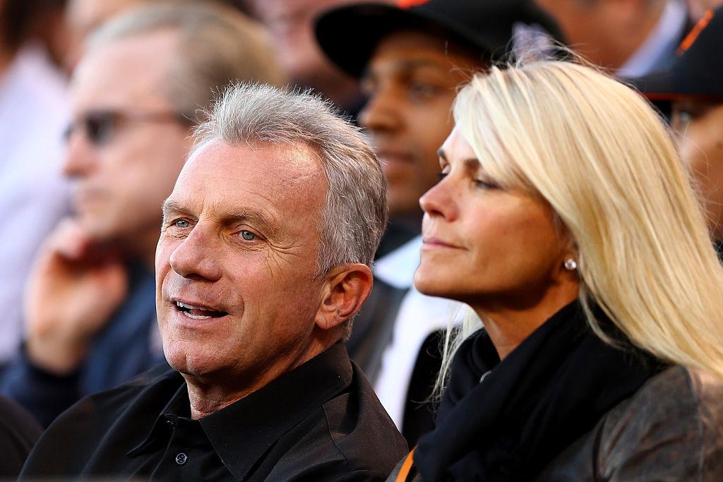 Joe Montana and his wife Jennifer at a baseball game