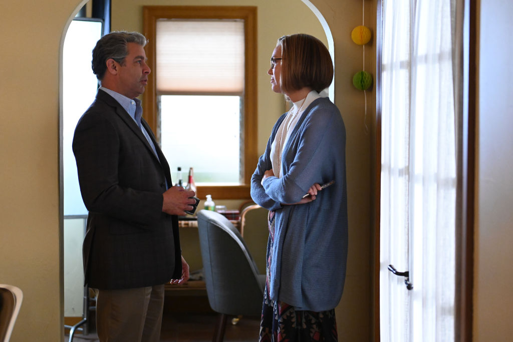 Jon Huertas as Miguel and Mandy Moore as Rebecca on This Is Us - Season 4