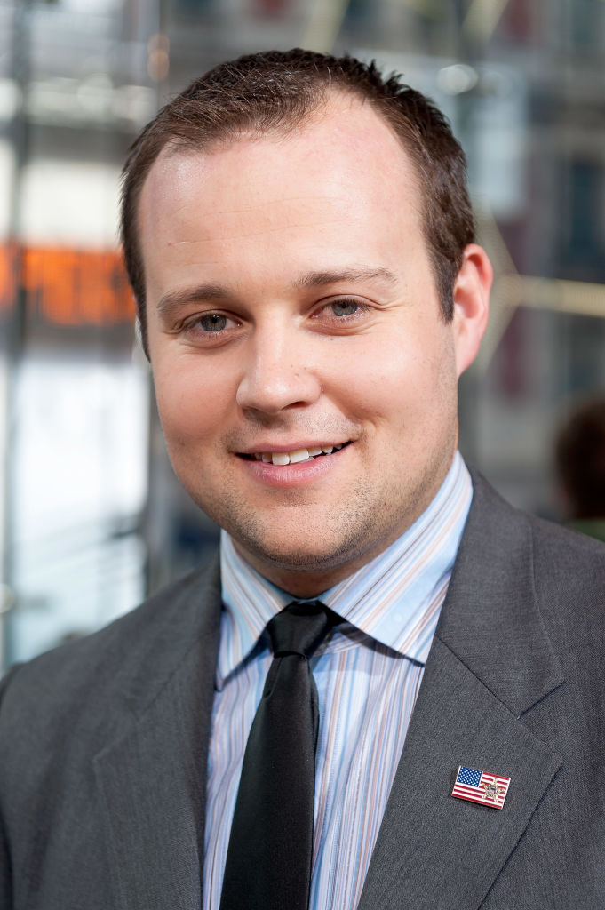 Josh Duggar visits 'Extra' at their New York studios