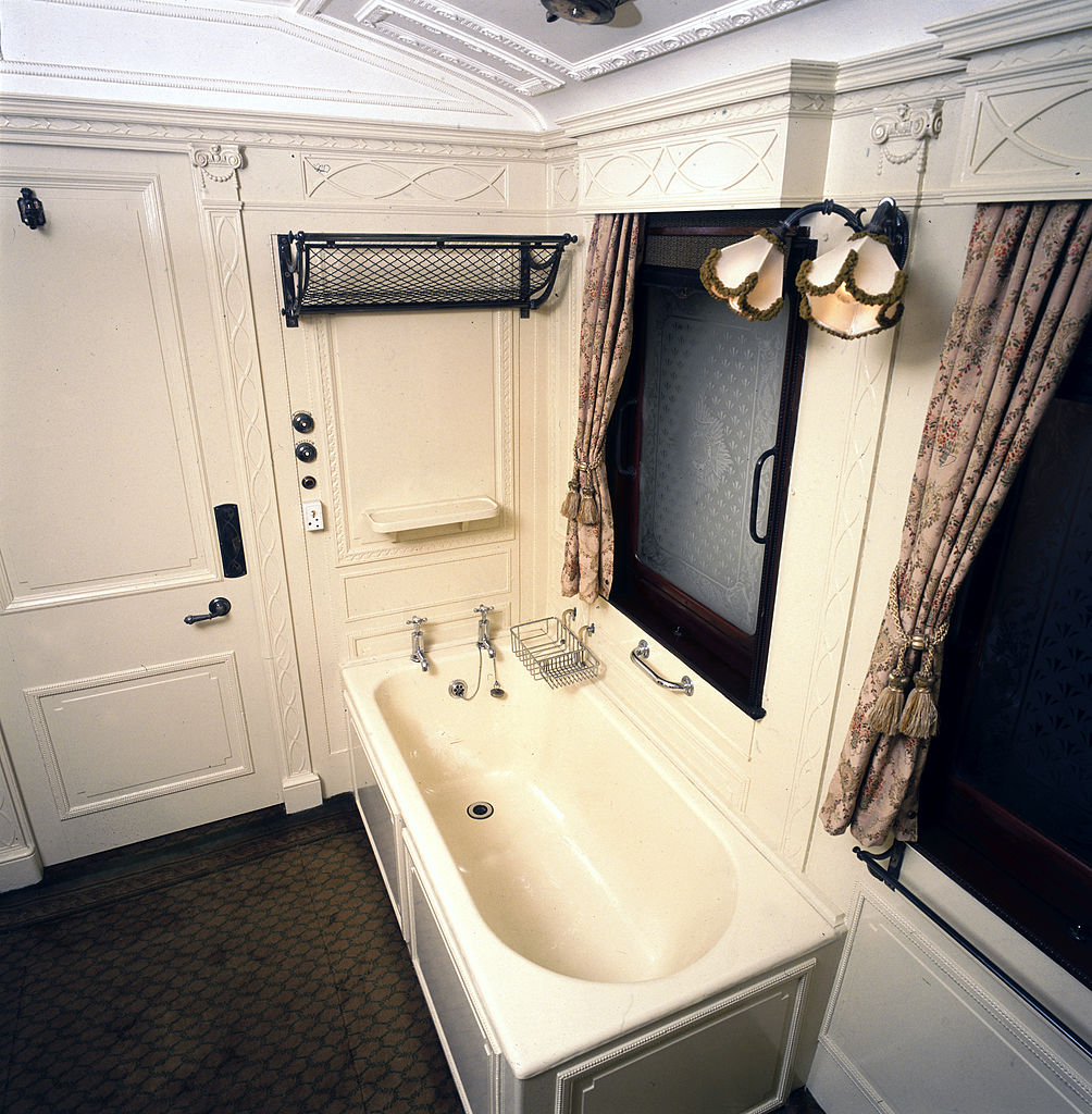King George V's dressing room on train converted to a bathroom