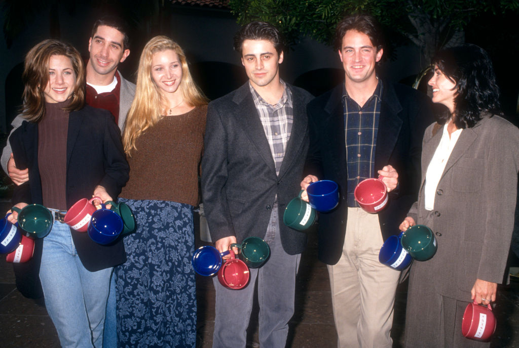 Lisa Kudrow with the Friends cast   Ron Davis/Getty Images