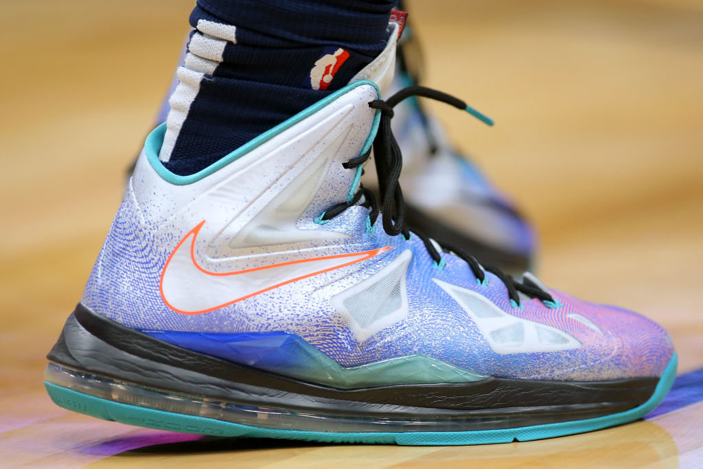 Nike sneaker in blue and light purple