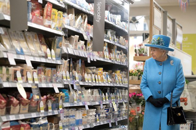 Queen Elizabeth browses a grocery store