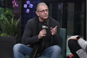 Some Food Network Viewers Really Hate Robert Irvine
