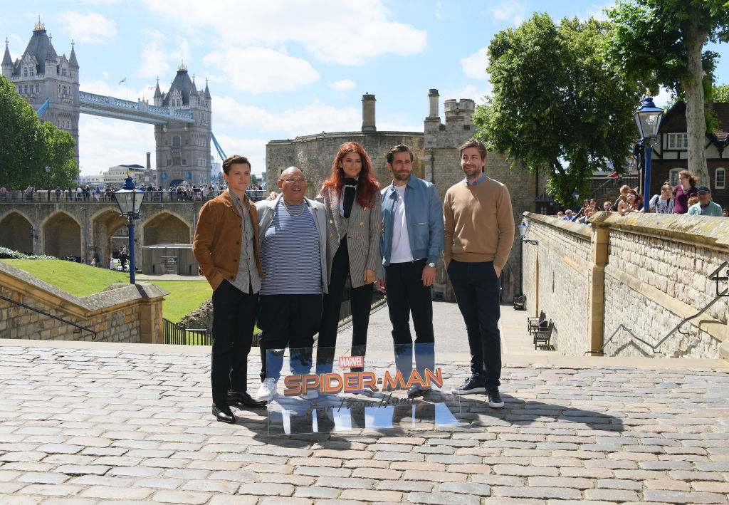 (L-R) Tom Holland, Jacob Batalon, Zendaya, Jake Gyllenhaal and Jon Watts with the Tower of London in the backgound