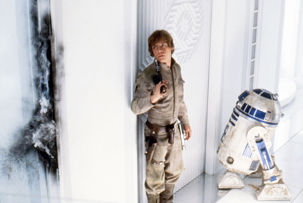 Mark Hamill as Luke Skywalker and Kenny Baker as R2-D2 on 'Star Wars: Episode V'