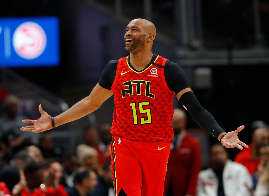 Vince Carter running back down the court during a Hawks game