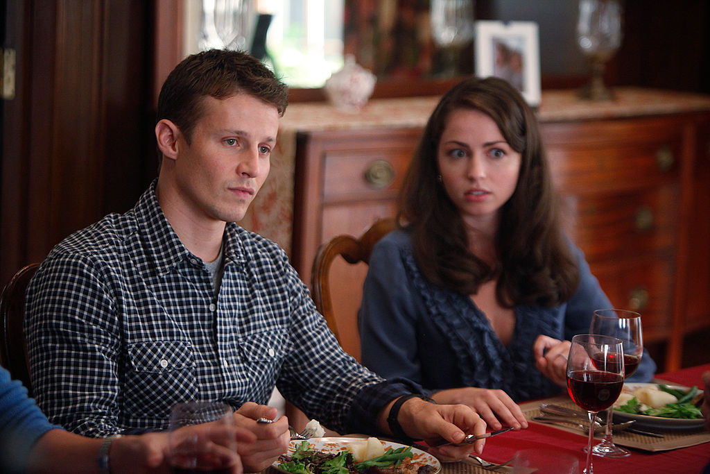 Well Estes as Jamie Reagan and Dylan Moore as Sydney Davenport | CBS via Getty Images