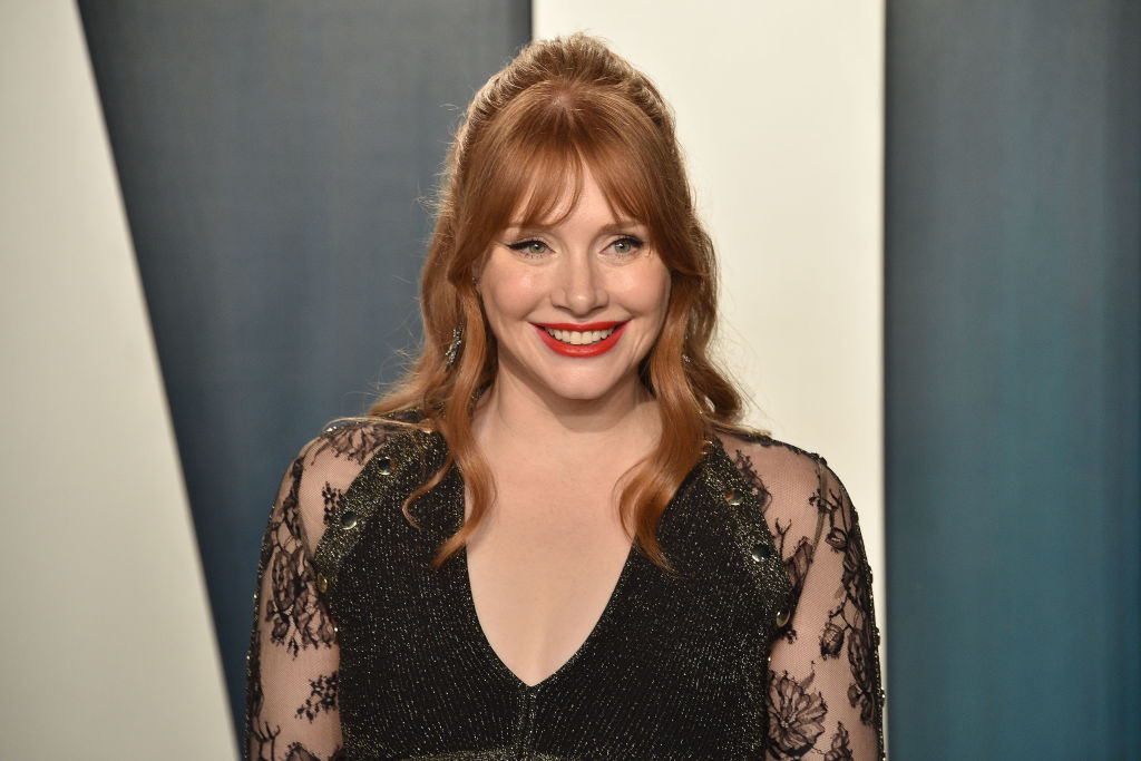 Bryce Dallas Howard attends the 2020 Vanity Fair Oscar Party at Wallis Annenberg Center for the Performing Arts on February 09, 2020 in Beverly Hills, California.
