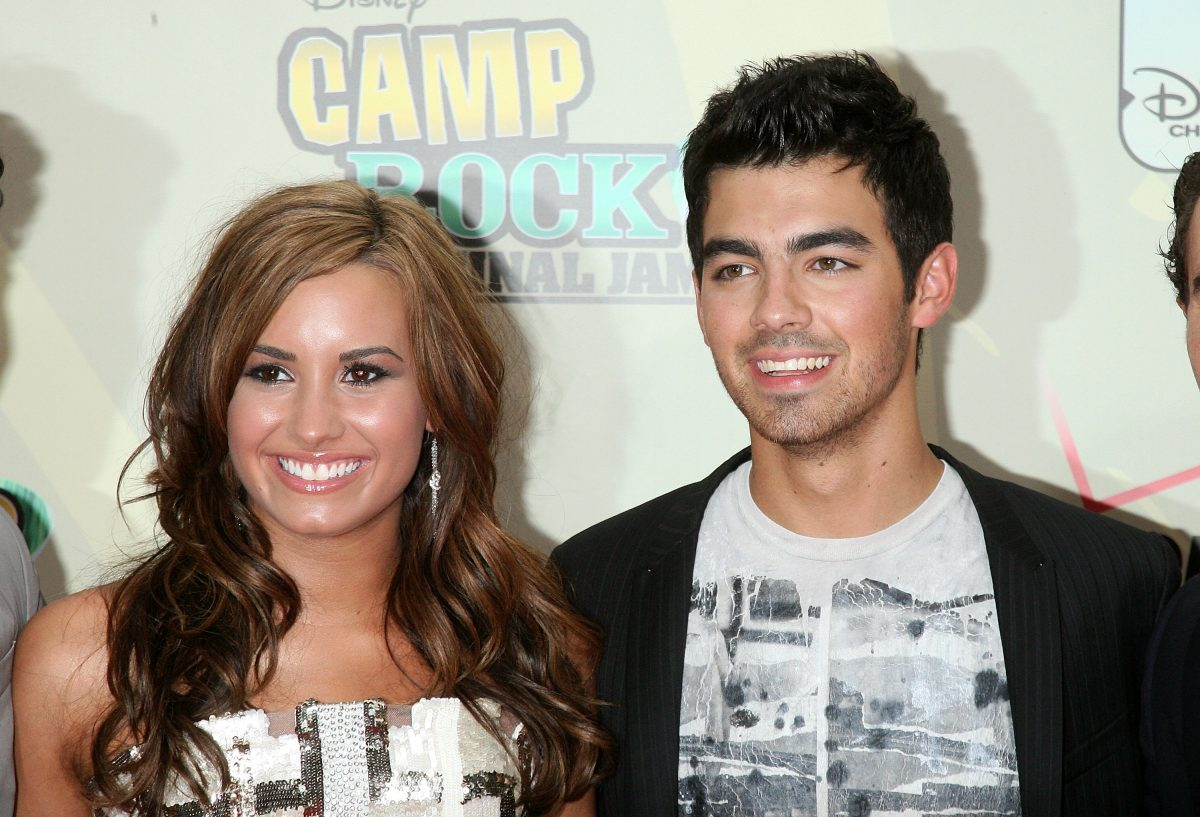 Demi Lovato and Joe Jonas attend the premiere of 'Camp Rock 2: The Final Jam' on August 18, 2010 in New York City.