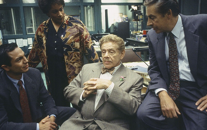 Jerry Stiller with the cast of 'Law and Order'