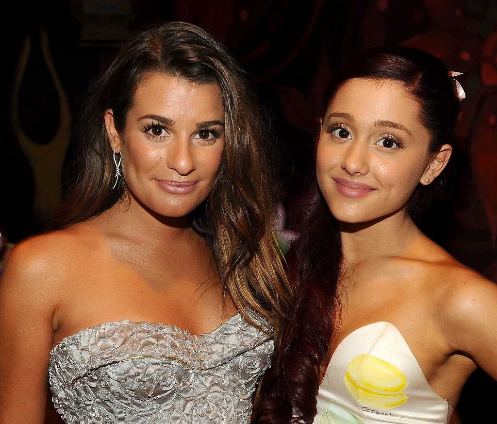Lea Michele and Ariana Grande pose at the 2012 Teen Choice Awards
