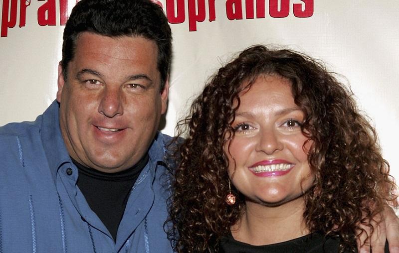 Steve Schirripa and Aida Turturro