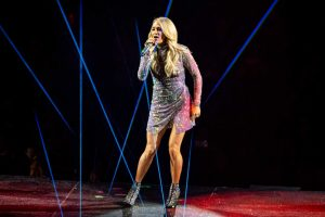 How Carrie Underwood Sticks to Her Health Plan